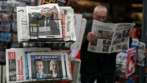 谁说法国时尚界只懂风花雪月?他们对总统大选一样密切关注