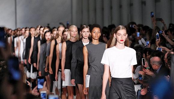 美国设计师协会究竟是怎么从纽约时装周里赚钱的?