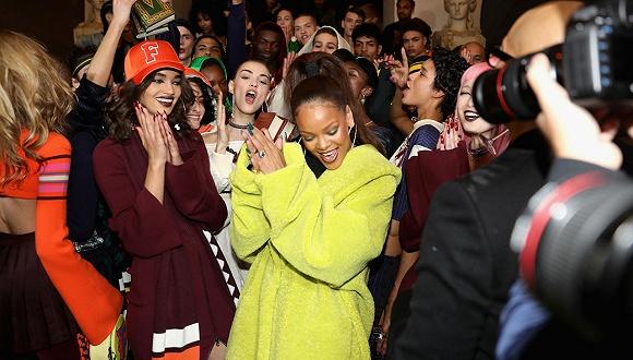 在巴黎发布了两季作品后 美国带货王Rihanna要回归纽约时装周