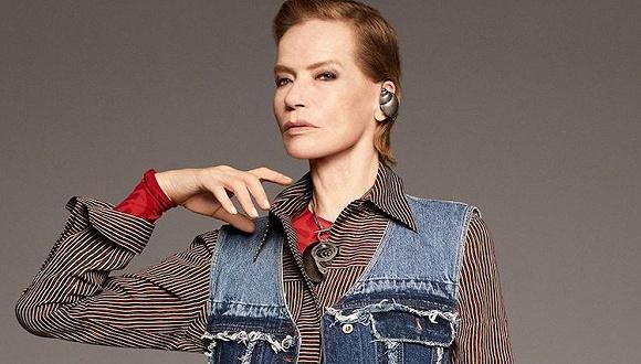 """""""奶奶模特""""风潮未减   Acne Studios新一季宣传册模特是78岁的她"""