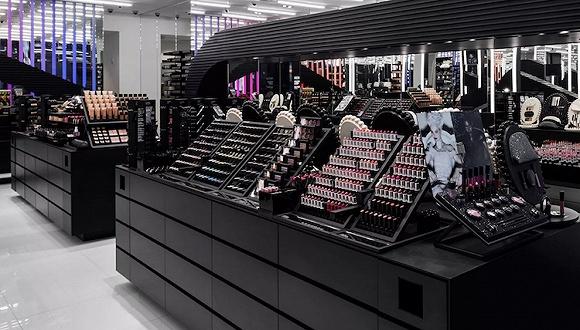 为什么卖化妆品的商店越长越像?这是场心理游戏