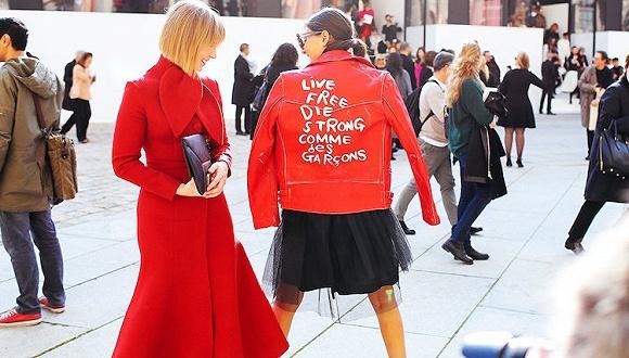 【衣帽间】新年总是不免要穿红色 但怎么搭才不俗气?