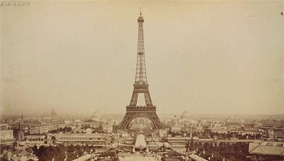 珍贵照片展现埃菲尔铁塔历时两年的建造过程
