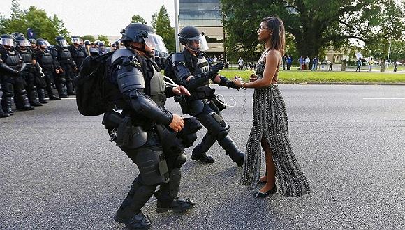当政治成为时尚宣言 两者又会产生怎样的冲突?