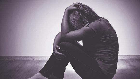 被家暴后,她决定上网求助