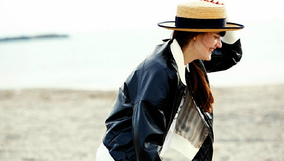 【是日美好事物】一本日本时尚杂志推出的北欧风格时装品牌 Le Labo的香氛灯具