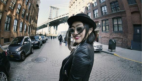 一位在纽约大都会博物馆工作的女孩和我们分享了她的衣橱