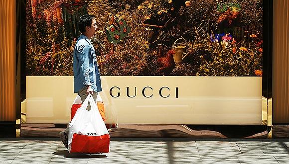 Gucci是怎么一步一步把消费者找回来的?