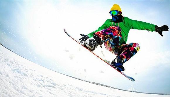 玩单板的朋友 恭喜你们正在成为国内滑雪的主流