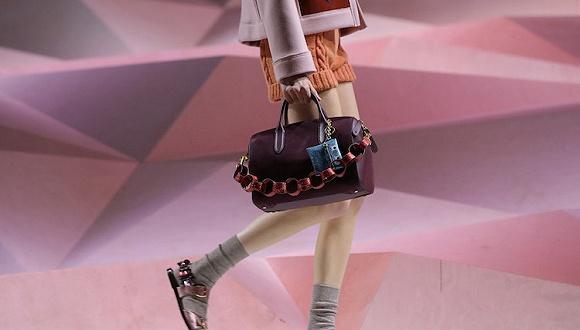 【伦敦时装周】下一个冬天时髦人该背什么包?