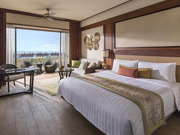 香格里拉酒店对员工的培训要义是如何理解高端客人的需求,但这一天来了100位从没住过五星级酒店的乡村VIP
