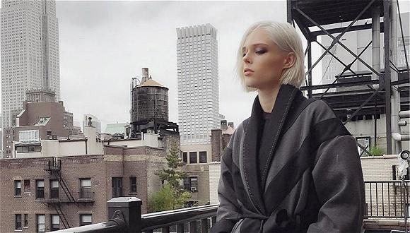 最会摆pose的超模创立了个人品牌 我们问了她九个关键问题