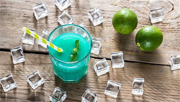 去加勒比海的海岛度假,选什么鸡尾酒才不老套?