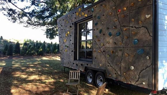 看看这对密西西比夫妇的房车 居然还有攀岩墙!