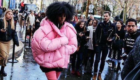 【衣帽间】拒绝穿成一只熊 今年时髦人都会买的五件羽绒服