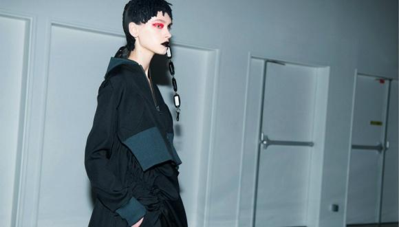 【巴黎时装周】这些被大众审美归为怪异的衣服又来了