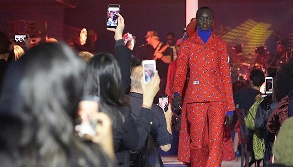 【巴黎时装周】Kenzo把历史都放进了胶囊系列 还不忘怼了一下特朗普