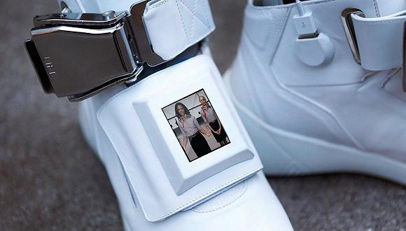【是日美好事物】维珍航空头等舱级别的运动鞋 哈利波特魔杖化妆刷