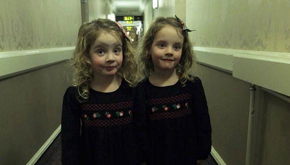 这对双胞胎萝莉肯定不是爸爸亲生的。。。
