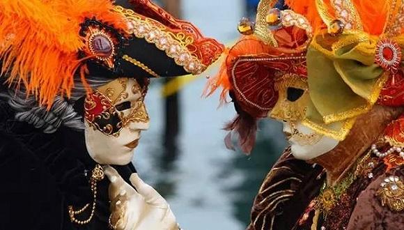 带上面具,才能看见真实的威尼斯