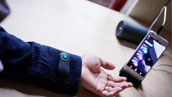 【是日美好事物】Google和Levi's合作的智能夹克  能变成笔记本的手机壳