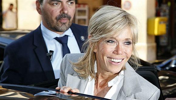 明星扎堆的Dior高定时装秀上 最受关注的却是法国新总统夫人
